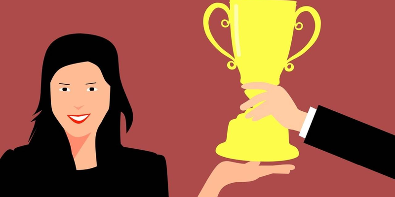 how incentives play a role in motivating employees